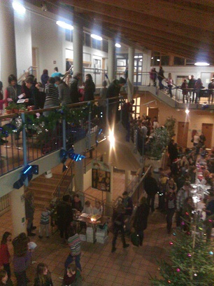 Weihnachtsmarkt Schule
